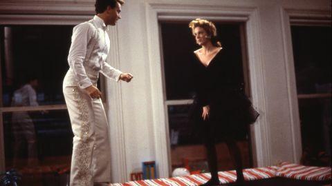Josh (Tom Hanks) and Susan (Elizabeth Perkins) on the trampoline.