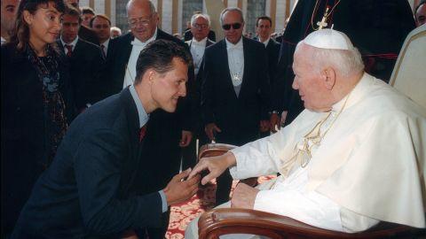 Schumacher meets Pope John Paul II in 1999.