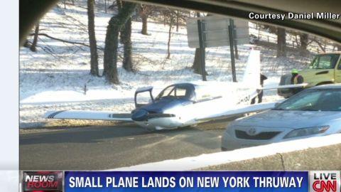 nr small plane lands on highway_00000802.jpg