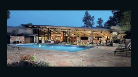 A former cattle ranch located in the Sonoran Desert, Canyon Ranch employs over 60 wellness professionals, including integrative medicine physicians, clinical grade nutritionists, exercise physiologists, spirituality practitioners and licensed behavioral therapists.