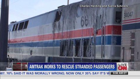 nr live amtrak passenger stranded on tracks_00012309.jpg