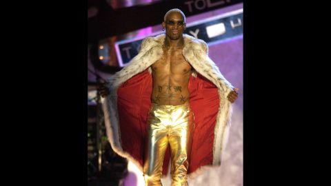 Rodman rocks gold pants in 2004.