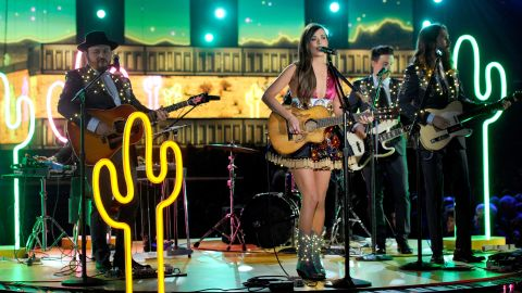 """Country singer Kacey Musgraves lights up the stage with her hit song """"Follow Your Arrow."""""""