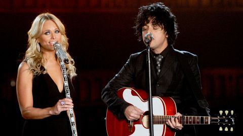 """Miranda Lambert and Billie Joe Armstrong perform """"When Will I Be Loved,"""" a classic song written by Phil Everly of the Everly Brothers. The show took place at the Staples Center in Los Angeles."""