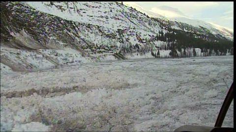 dnt ak avalanche causes dam blocking city_00000825.jpg