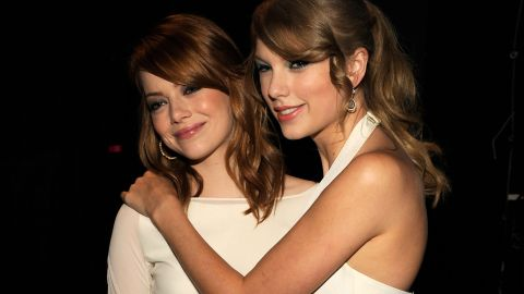 """Speaking of Selena Gomez, one of her definite BFFs, Swift, is also surprisingly good pals with Emma Stone. We didn't think the worlds of Hollywood and Nashville crossed all that much, but Stone loves that Swift can make her laugh. """"We're very different, but (Swift) has a sick sense of humor,"""" <a href=""""http://www.mtv.com/news/articles/1635422/taylor-swift-has-sick-sense-humor-pal-emma-stone.jhtml"""" target=""""_blank"""" target=""""_blank"""">Stone once told MTV.</a>"""