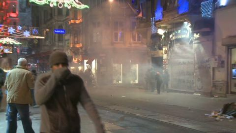 vo turkey internet protest_00000304.jpg