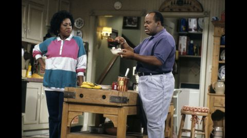 """Jo Marie Payton as Harriette Winslow, a security guard and later salesperson, in """"Family Matters."""""""