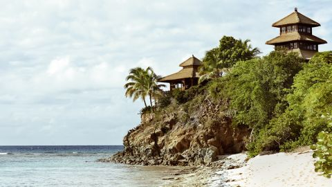 Branson purchased the island for $180,000 in 1979 and opened a luxury resort there facility in 1984. The entire island can be rented out for the princely sum of $64,000 a night.