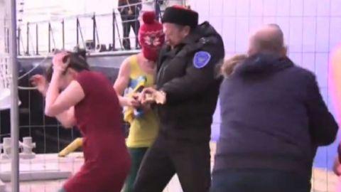 russia sochi pussy riot beaten watson pkg_00005002.jpg