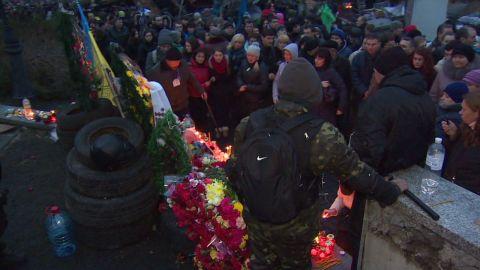 pkg black ukraine revolution cost_00013302.jpg