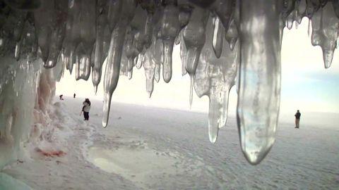 pkg lake superior ice caves_00004820.jpg