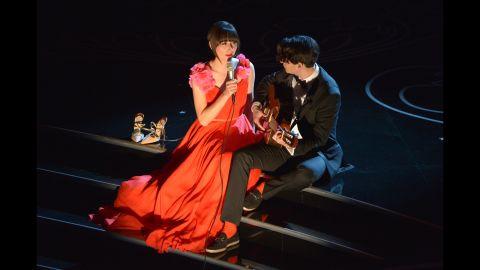 "Karen O of the Yeah Yeah Yeahs and Ezra Koenig of Vampire Weekend perform a duet of ""The Moon Song."""