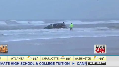 newday dunnan car stuck in ocean_00000323.jpg