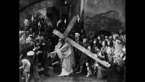 """In 1923, Cecil B. DeMille became a believer in the power the Bible held with moviegoing audiences. After finding success with his Old Testament epic """"The Ten Commandments,"""" DeMille enlisted H.B. Warner to help him tell """"The Greatest Story Ever Told."""" The result was 1927's """"The King of Kings,"""" a film for which Warner was virtuous both on and off the set. According to <a href=""""http://www.tcm.com/tcmdb/person/202080 64520/H-B-Warner/"""" target=""""_blank"""" target=""""_blank"""">Turner Classic Movies</a>, he signed an agreement not to be involved in any sort of scandal -- even divorce -- for a year following the movie's release."""