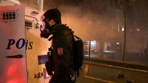 ctw turkey istanbul tear gas watson live_00010902.jpg
