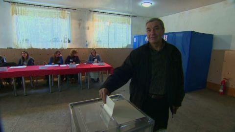 pkg paton walsh crimea tartar voting_00003516.jpg