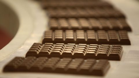 The cacao in dark chocolate contains flavonoids, which promote healthy blood circulation, and polyphenols, which reduce inflammation and risk of atherosclerosis (a disease in which plaque builds up in the arteries).