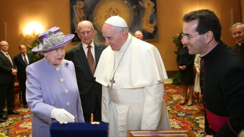 VATICAN CITY, ITALY - APRIL 03:  Queen Elizabeth II and Prince Philip, Duke of Edinburgh, have an audience with Pope Francis, during their one-day visit to Rome on April 3, 2014 in Vatican City, Vatican. During their brief visit The Queen and the Duke of Edinburgh will have lunch with Italian President Giorgio Napolitano and an audience with Pope Francis at the Vatican. The Queen was originally due to travel to Rome in April 2013 but the visit was postponed due to her ill health. The audience with Pope Francis will be the fifth meeting The Queen, who is head of the Church of the England, has held with a Pope in the Vatican.  (Photo by Oli Scarff/Getty Images)
