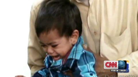 nr pakistan baby fingerprinted_00002920.jpg