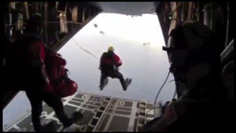 vo baby sail boat coast guard parachute rescue _00001825.jpg