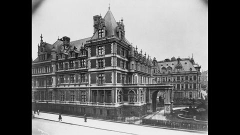 In the early 20th century, industrial tycoons like the Rockefellers and Carnegies amassed fortunes in railroads, steel or oil. Here, a view of Cornelius Vanderbilt's residence in New York in 1908.