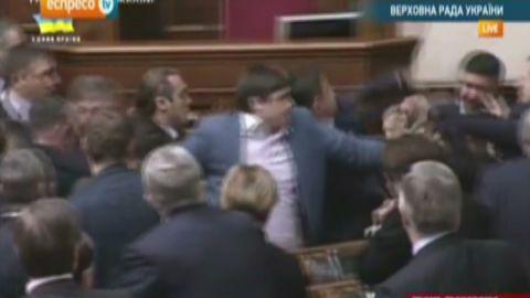 idesk ukraine parliament fight_00003424.jpg