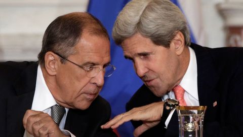 Russian Foreign Minister Sergey Lavrov (L) talks with U.S. Secretary of State John Kerry during a meeting at the U.S. State Department on August 9, 2013 in Washington, DC.
