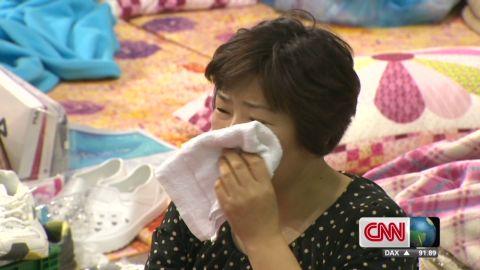 idesk dnt hancocks south korea ferry families_00000918.jpg