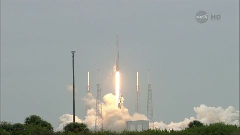 von space x falcon 9 dragon launch_00001519.jpg