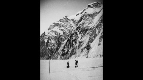 """British Army soldiers and mountaineers John """"Brummie"""" Stokes and Michael """"Bronco"""" Lane above the icefall at the entrance to the West Col (or western pass) of Mount Everest during their successful ascent of the mountain. The joint British-Nepalese army expedition reached the summit on May 16, 1976."""