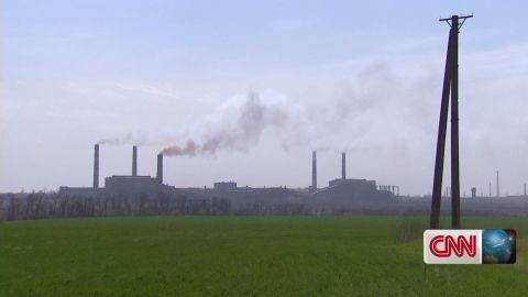pkg damon ukraine city of steel_00020418.jpg