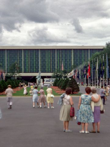"""""""People dressed up when they went to the world's fair,"""" remembers Ondrovic."""