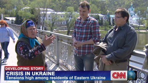 damon pkg living on edge in eastern ukraine_00004929.jpg