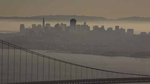 """A <a href=""""http://www.latimes.com/science/la-top-10-most-polluted-cities-20140430-html,0,3083737.htmlstory#axzz30OAKFu88"""" target=""""_blank"""" target=""""_blank"""">2014 report</a> ranks cities that have the worst air quality. San Francisco, California, is among them."""