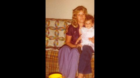 Young Joanna Mazewski with her mom in 1980.