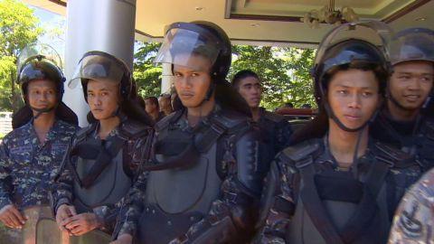lklv mohsin thailand unrest_00003202.jpg