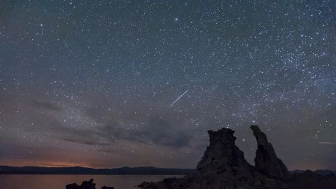 """Many are grumbling that the Camelopardalids meteor shower was a dud, but some photographers had a chance to see burning fireballs streaking the night sky. iReporter <a href=""""http://ireport.cnn.com/docs/DOC-1136640"""">Cat Connor </a>says there were dozens of photographers camped out on Mono Lake in California, hoping to see the meteor shower."""
