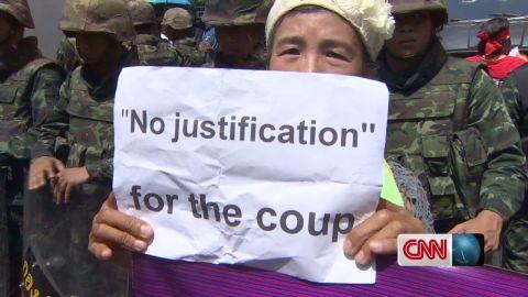 dnt Hancocks thailand military coup protest_00005730.jpg