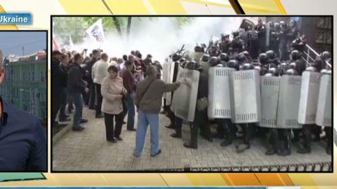 Ukraine.airport.shutdown_00010317.jpg