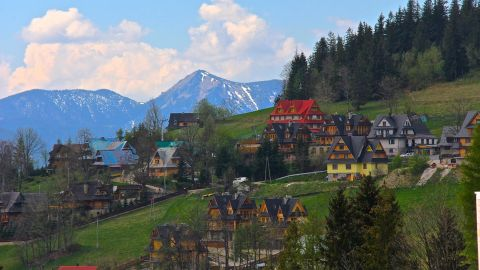 """<strong>10. """"Picture-perfect"""" Zakopane:</strong> Richard Gornik was awed by """"the beautiful scenery and the holiday atmosphere"""" in the town of <a href=""""http://ireport.cnn.com/docs/DOC-1137064"""">Zakopane</a> during a visit to Poland."""