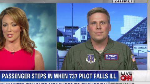 nr intv mark gongol hero passenger helps pilot_00013130.jpg