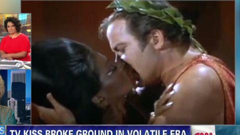 ath star trek first tv kiss_00002004.jpg