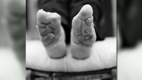 pkg stout china feet binding_00001713.jpg