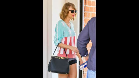 Taylor Swift dons a pastel version of the stars and stripes for a March 2014 dance class.