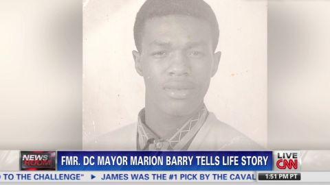 nw.former.dc.mayor.tells.life.story_00023424.jpg