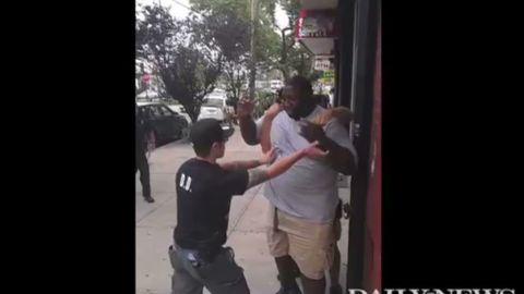 vo NYPD chokehold _00011721.jpg