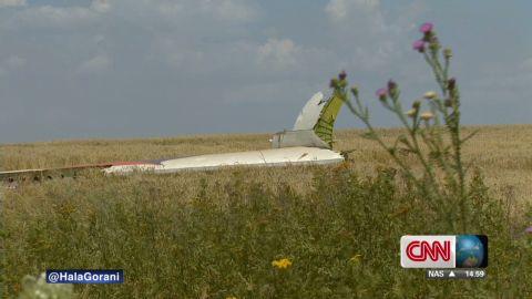 pkg paton walsh ukraine mh17 crash site_00001206.jpg