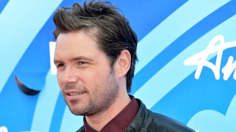 """<a href=""""http://www.cnn.com/2014/08/03/showbiz/michael-johns-dead/index.html"""">One-time """"American Idol"""" finalist Michael Johns</a> died on August 1. According to Entertainment Weekly, the Australian-born singer, who was on the Fox program in 2008, died at the age of 35. <a href=""""http://www.hollywoodreporter.com/earshot/american-idol-alum-michael-johns-723030"""" target=""""_blank"""" target=""""_blank"""">The Hollywood Reporter said</a> the cause is believed to be a blood clot in his ankle."""