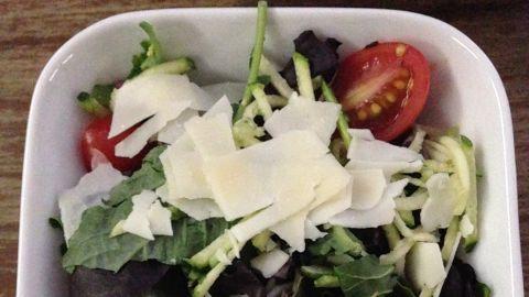 Delta Flight 2022, JFK to LAS: Side salad in business class